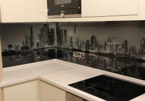 Кухня глянцевая со скрытыми ручками